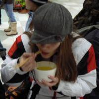 Yumi s polívkou :D